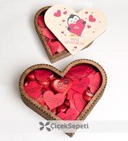 yunus parlar - kişiye özel seni seviyorum temalı çikolatalı ahşap kalp kutu