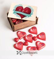 selin haciisaoğlu- kişiye özel sevgililer günü temalı kalp çikolatalı ahşap kutu