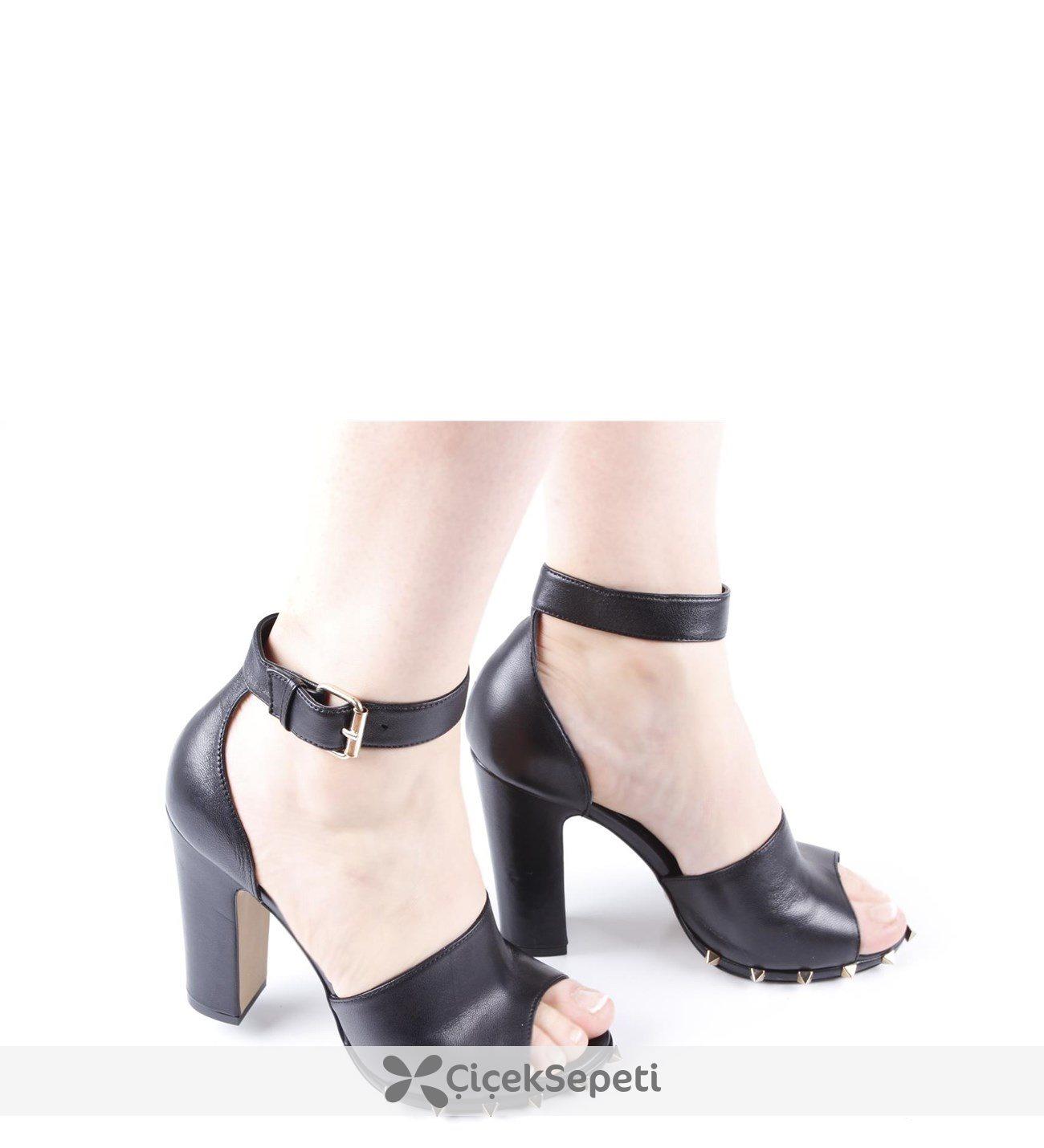 Tabanı Zımbalı Kalın Topuk Bayan Ayakkabısı 78