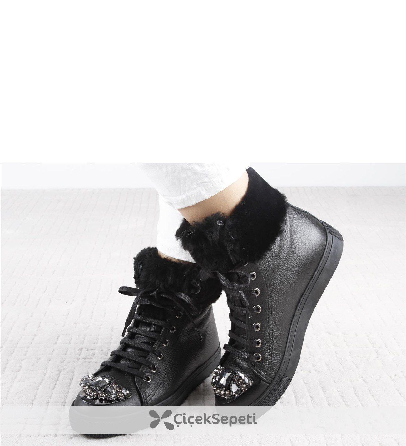 Kürklü Önü Taşlı Bayan Ayakkabı 112